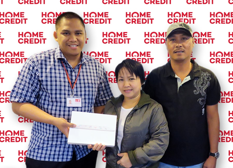 Jennifer Uy, Winner of Apple iPad Air